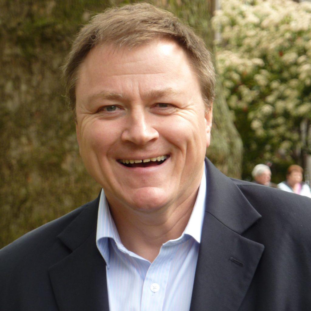 Guy EIliott